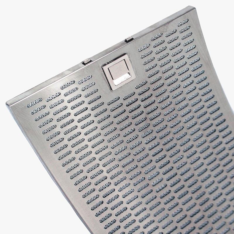 Närbild på designade böjda fettfilter av aluminium som passar köksfläkten Rustik från Fjäråskupan.
